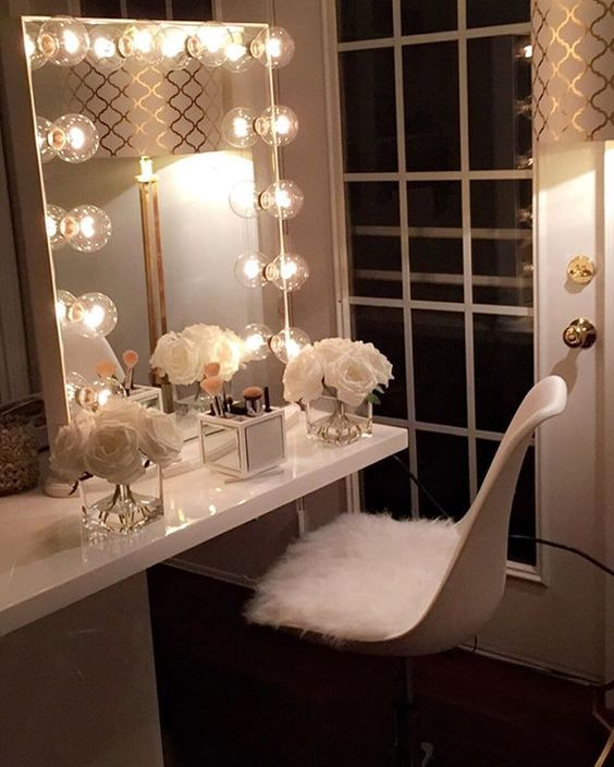 12 fabulous ideas to make a vanity room spectacular home for Places to get room decor